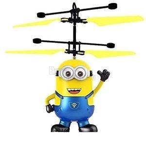 Летящ миньон-хеликоптер minions