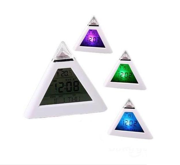 Електронен часовник пирамида с големи символи