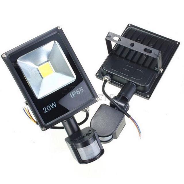 Led прожектор със сензор за движение 20W (Влагозащитен)