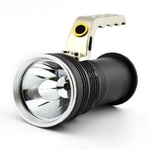 Фенер (800 лумена) с CREE/XM-L T6 диод и две мощни презареждаеми батерии